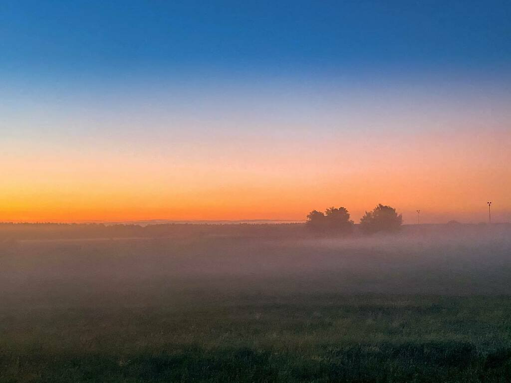 Early morning fog 🌫 . . . . . #sunsets #weather #germanytourism #abovetheclouds #all_sunsets #orange #instasky #skylovers #meindeutschland #wakeup #iphoneography #germanytour #sunset_madness #focalmarked #dawn  #deutschland_greatshots #iphonesia #iph…