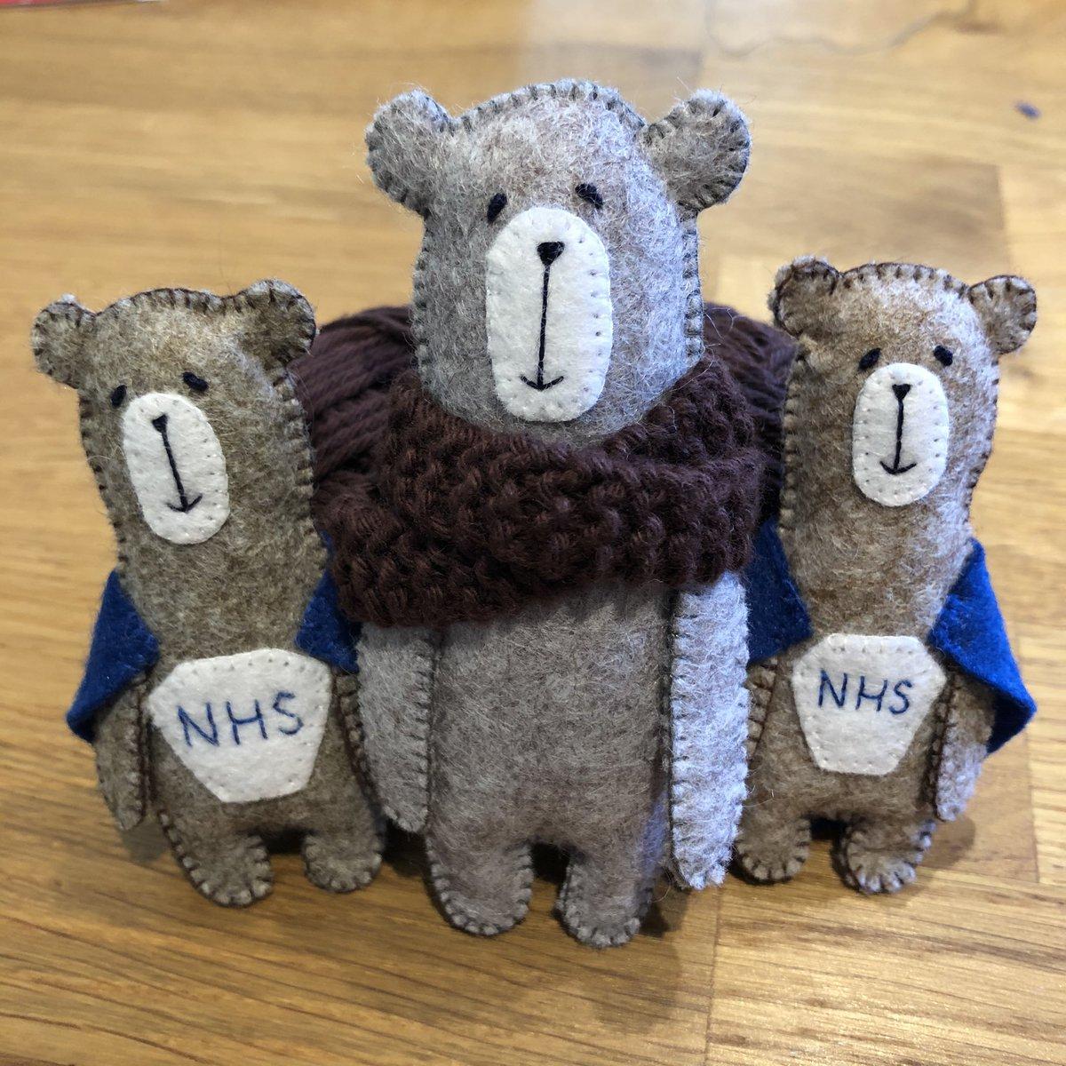 Hi #northantshour these #pocketbears are heading to Edinburgh tomorrow. If an #NHShero or #keyworker who would like a 🐻 please let me know 😊🐻💖🌈👍 #HappyToHelp