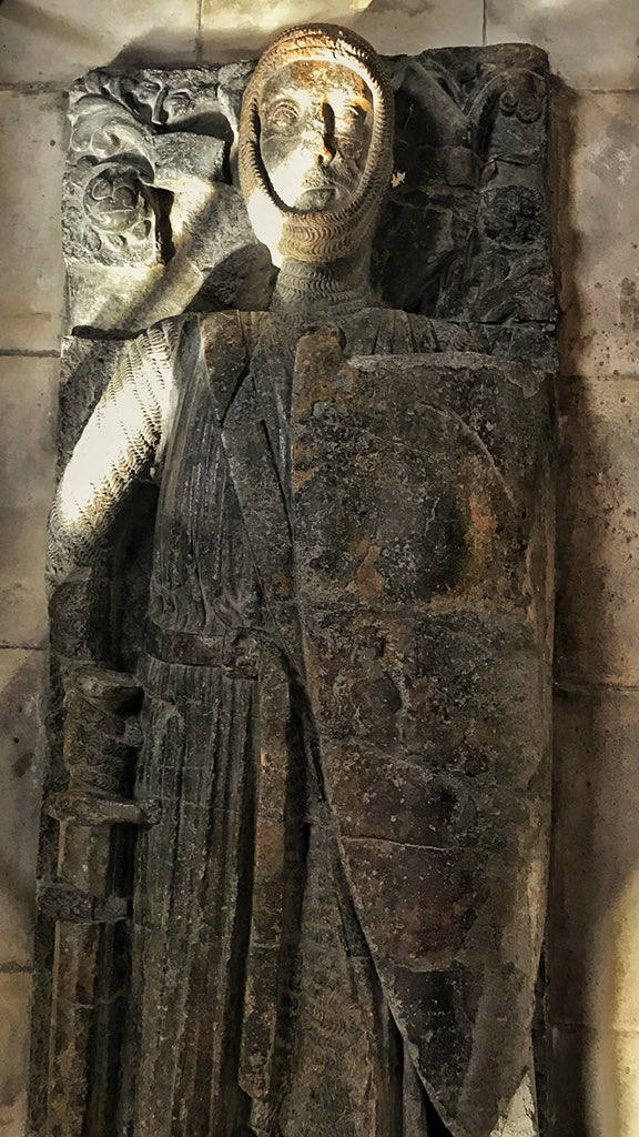 Today in 1219 William the Marshal died. He served 4 kings, beat 500 knights in combat, unhorsed the Lionheart, saved England. His tomb effigy in Temple Church survived Luftwaffe bombing. Obvs. https://t.co/xnSDssR3JC
