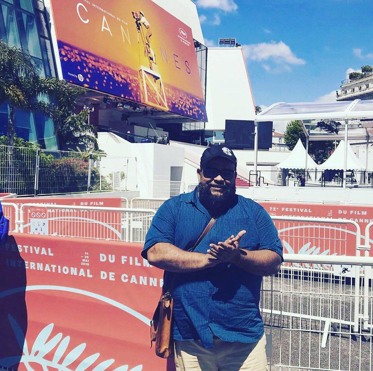 <carnaval> . inesquecível . da . tela . grande . nem . parece . que . amanhã . fará . um . ano . 🙈💥🛸🐻🎥❤️ #tbt #bacurau #festivaldecannes2019 #jrblack #djurso #cannes #france https://t.co/nGswWsyicy