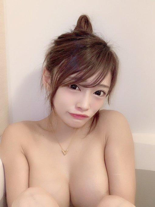 AV女優七海ひなのTwitter自撮りエロ画像22