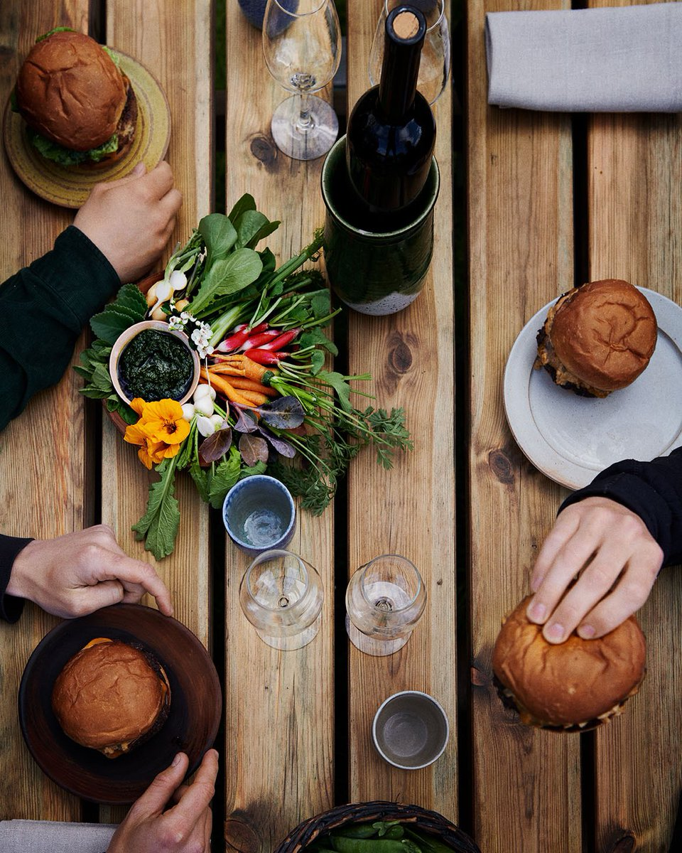 Exciting news! Thursday May 21 at 1pm we will be opening an outdoor wine bar, with some of our favorite wines and noma burgers! We will need some extra time to prepare for the official reopening of noma, the restaurant as we know it. Full update: https://t.co/maHNOaTzr5 https://t.co/TPStJgfErO