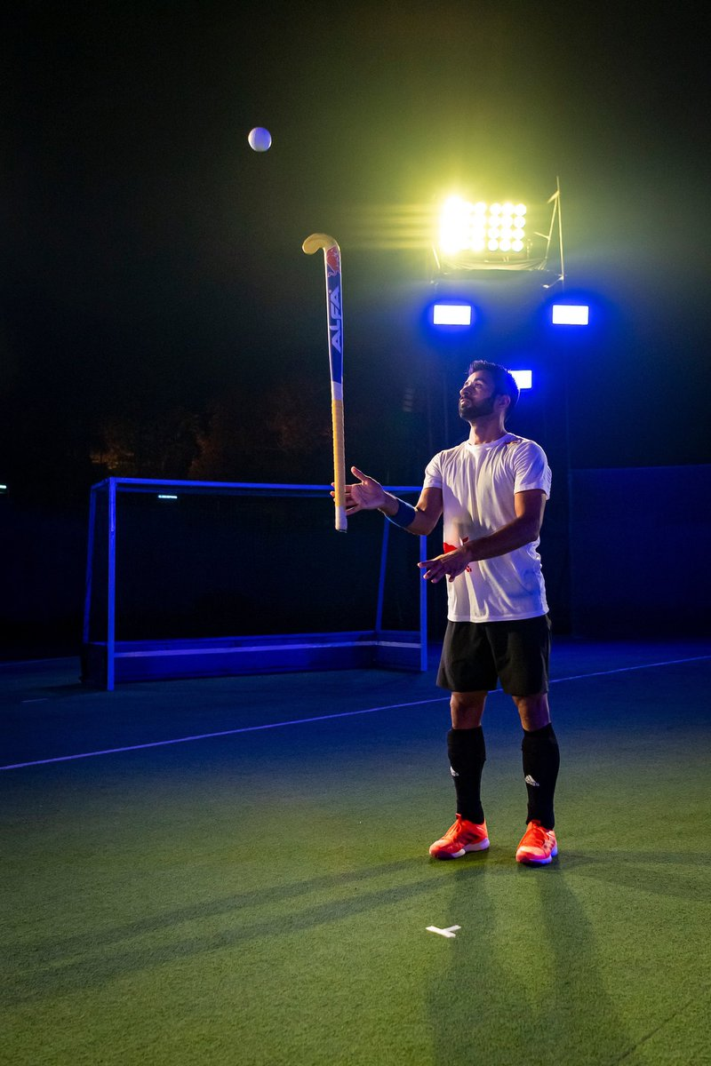 A little bit more before I can get back to the turf and play the game that I love the most! Meantime, @redbullindia has kept me fuel for my indoor trainings  @alfahockeyindia @adidas #givesyouwings #alfafamily #IndiaKaGame <br>http://pic.twitter.com/ckr5Bz5w9o