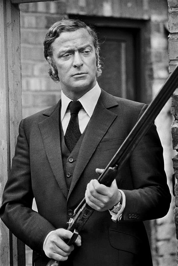 Michael Caine, armed in Newcastle, 1970, photo by Terry ONeill #photography #yeolde #actor #michaelcaine