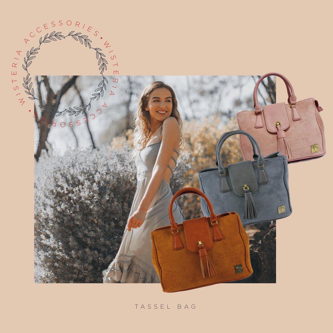* * * #accessories #womensaccessories #fashion #womensfashion #purse #handbag #rucksack #womensrucksack #totebag #luxury #influencer #paris #monaco #milan #suede #tweed #colour #colourtweed #countrylife #countryliving #countryfashion #british #britishdesign #womenswear #athomepic.twitter.com/7FS5WzDasl
