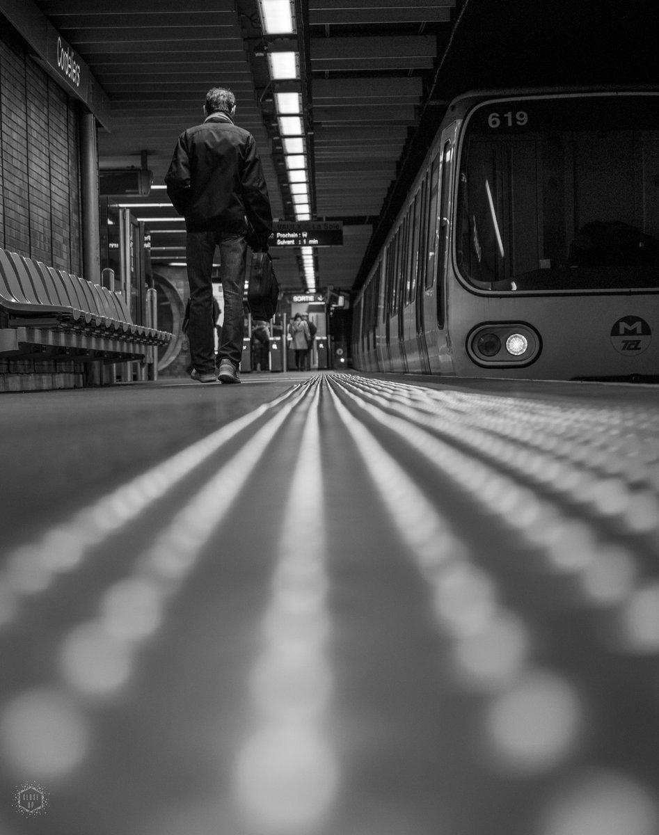 * Lone Rider *  J'y vais, j'y vais pas...  © Close-Up Photo  - Février 2020 -  #CloseUpPhoto #CloseUpLyon #OlympusFrance  #CloseUPShooting #BnwLife #StreetLife #noiretblanc #bnw #streetphotography #blackandwhite #villedelyon #Lyon #UrbanPhototography #NoiceMag #RoamToCreate pic.twitter.com/EyxVeua4pj