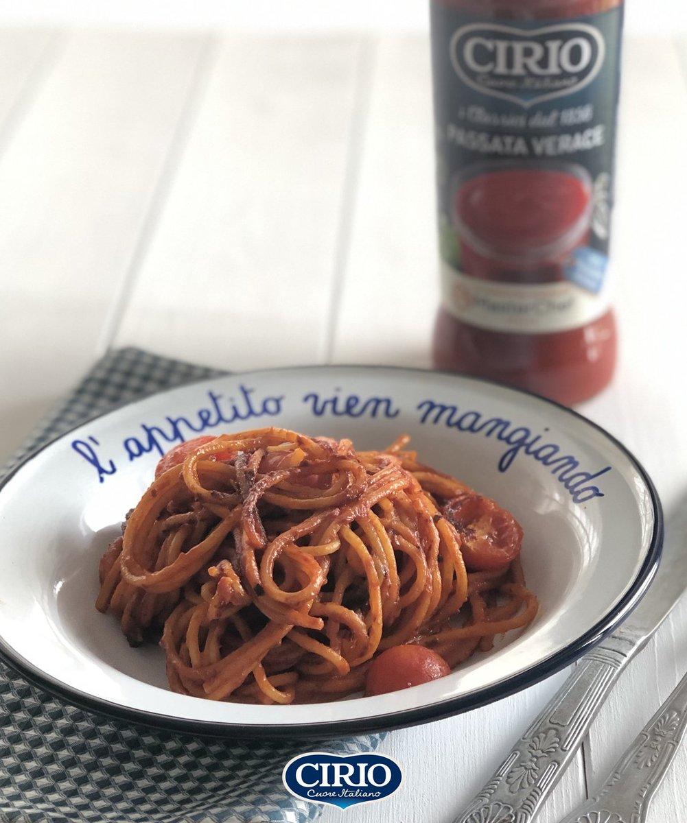 Una appetitosa ricetta che abbiamo preparato insieme a @Maricler, @queenskitchen_ e la #PassataVerace Cirio su https://buff.ly/2wofnJG! Gli spaghetti all'assassina, quelli con la bruciacchiatura finale: https://buff.ly/3663clh #iorestoacasa #iorestoacasaecucino pic.twitter.com/4fg2rLVBVv