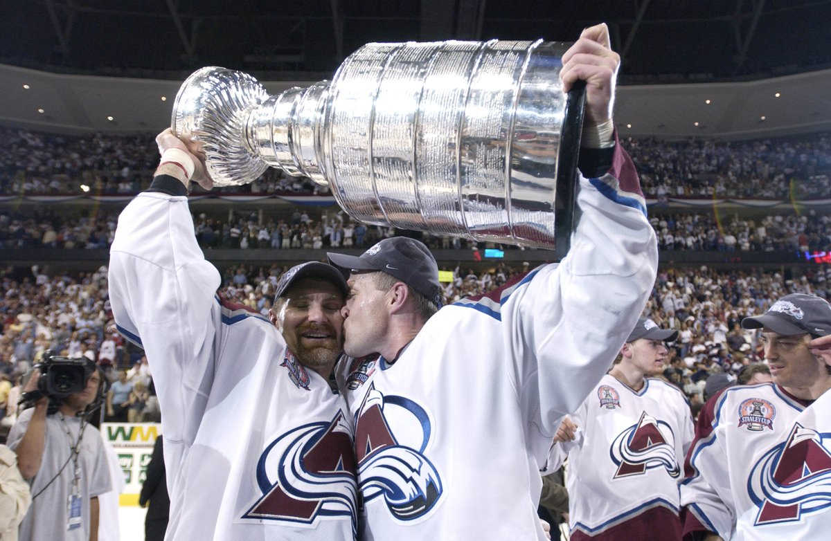.@Avalanche fans, we have another game for you! Watch them win the 2001 #StanleyCup! Game 7 starts next. #SocialSunday