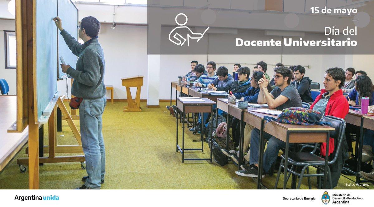 Este día representa la trayectoria de la lucha colectiva de los docentes universitarios de nuestro país, que trabajan todos los días para que nuestro sistema educativo sea un orgullo para Argentina. Gracias por su compromiso y profesionalismo. 👏🏽🇦🇷  ¡Feliz día para ellos y ellas! https://t.co/0cx6oKmpTR