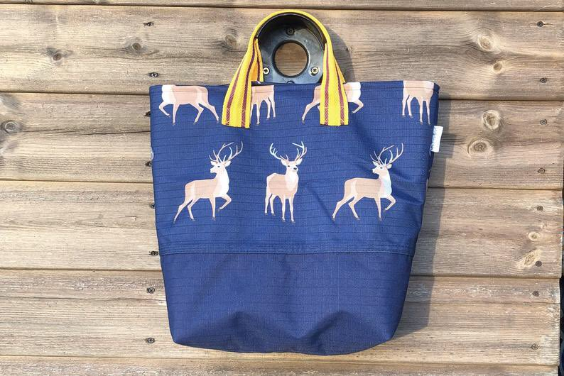 Stag pattern equestrian bag Only £65 free postage   https://www.etsy.com/uk/listing/756599380/stag-pattern-equestrian-bag-horse…  #horses #equestrian #Countryside #equestrianchic #horsechat #StayAtHome #shopuk #equestrianuk #countryfashion #countrylivingpic.twitter.com/5c6tnDT99z