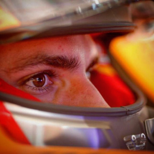 Todos en el equipo y yo en particular estamos muy felices de que formes parte de la familia Ferrari. Estoy seguro de que juntos conseguiremos grandes éxitos. Forza Ferrari @Carlossainz55 https://t.co/nJX7o8v5Vy