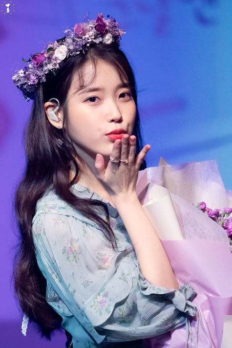 Happy birthday my lovely eonni, I fell in love with her voice, I love u kaka
