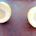 何だか損をした気分に・・・!買ったレモンを切ってみた結果!