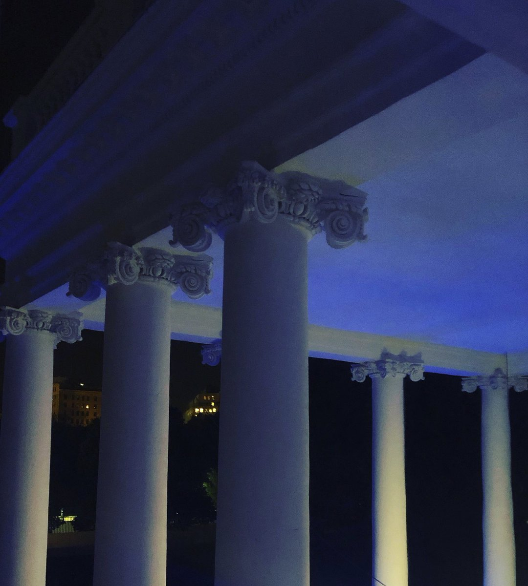 Tonight I'm proud to light @WhiteHouse blue in honor of the law enforcement officers who have lost their lives in the line of duty & who continue to protect & serve the American people. #PoliceWeek #PeaceOfficersMemorialDay <br>http://pic.twitter.com/8voFAP3NGd