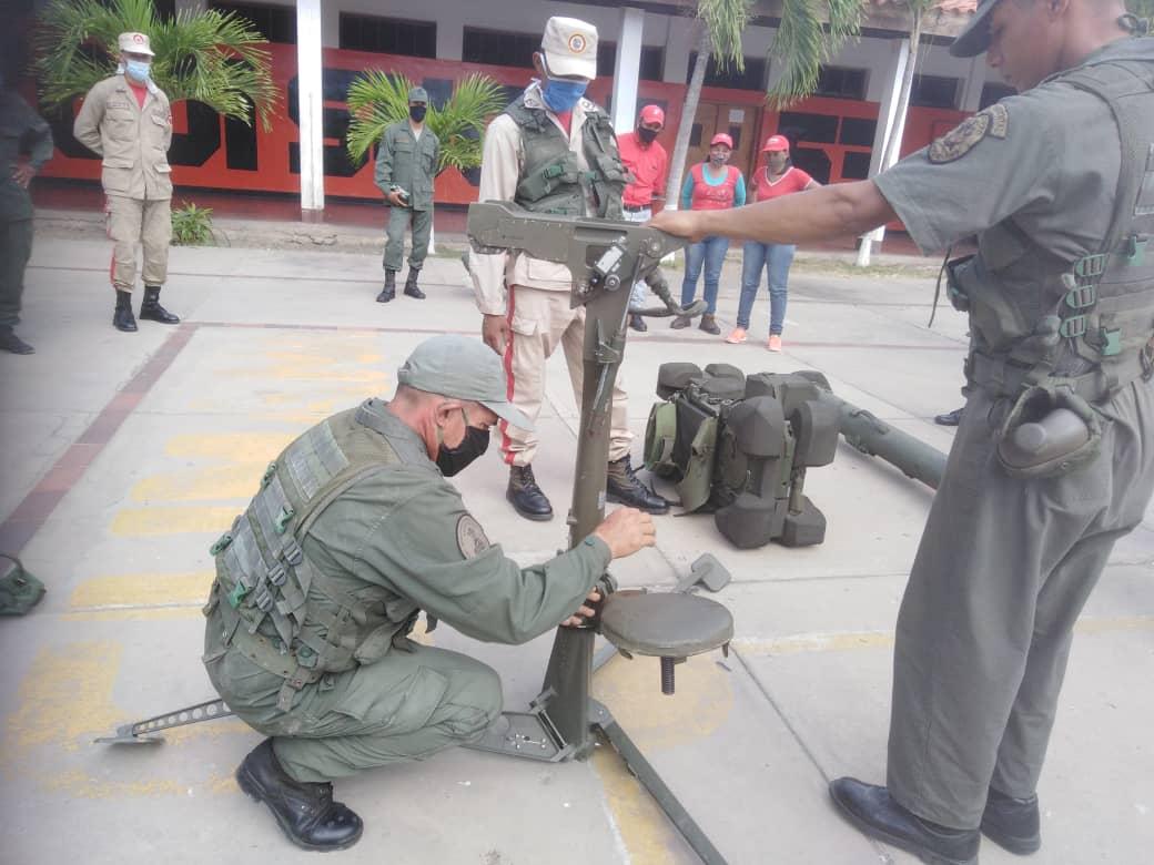 En el marco del fortalecimiento y expansión de la @MiliciaBV1, la @531AntonioJoséDeSucre, continúa recibiendo el Curso de RBS-70 para la @MiliciaBV1 del @ADI531 con la instrucción del Grupo Misilístico de defensa antiaérea portatil 499