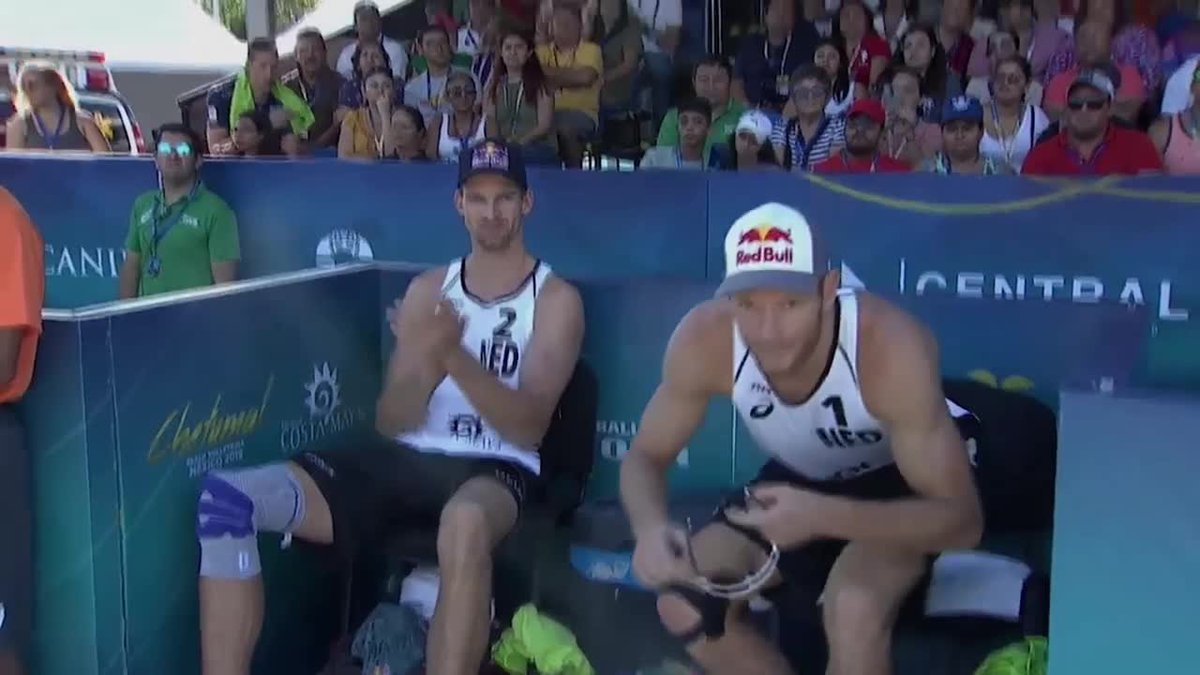 Watch, learn and enjoy these digs by #BeachVolleyball player Alexander Brouwer. He and his partner Robert Meeuwsen from The Netherlands are our Beach Volleyball World Team Of The Week.  #FIVBTOTW STORY: https://bit.ly/2WZY6CX pic.twitter.com/P7iLWPz6zh