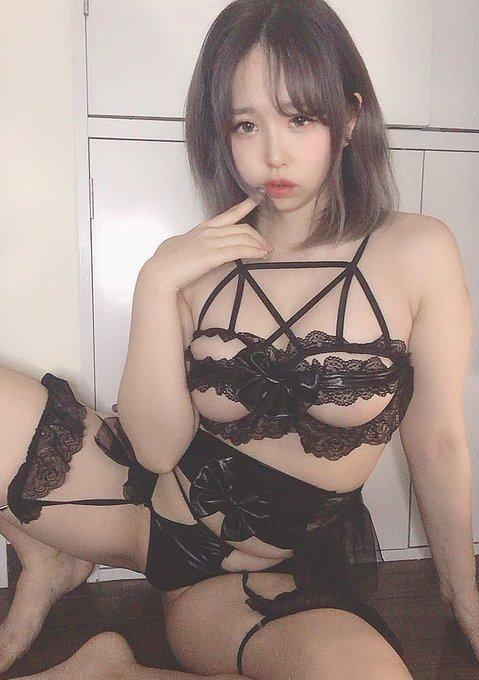 グラビアアイドル上田ミルキィのTwitter自撮りエロ画像31