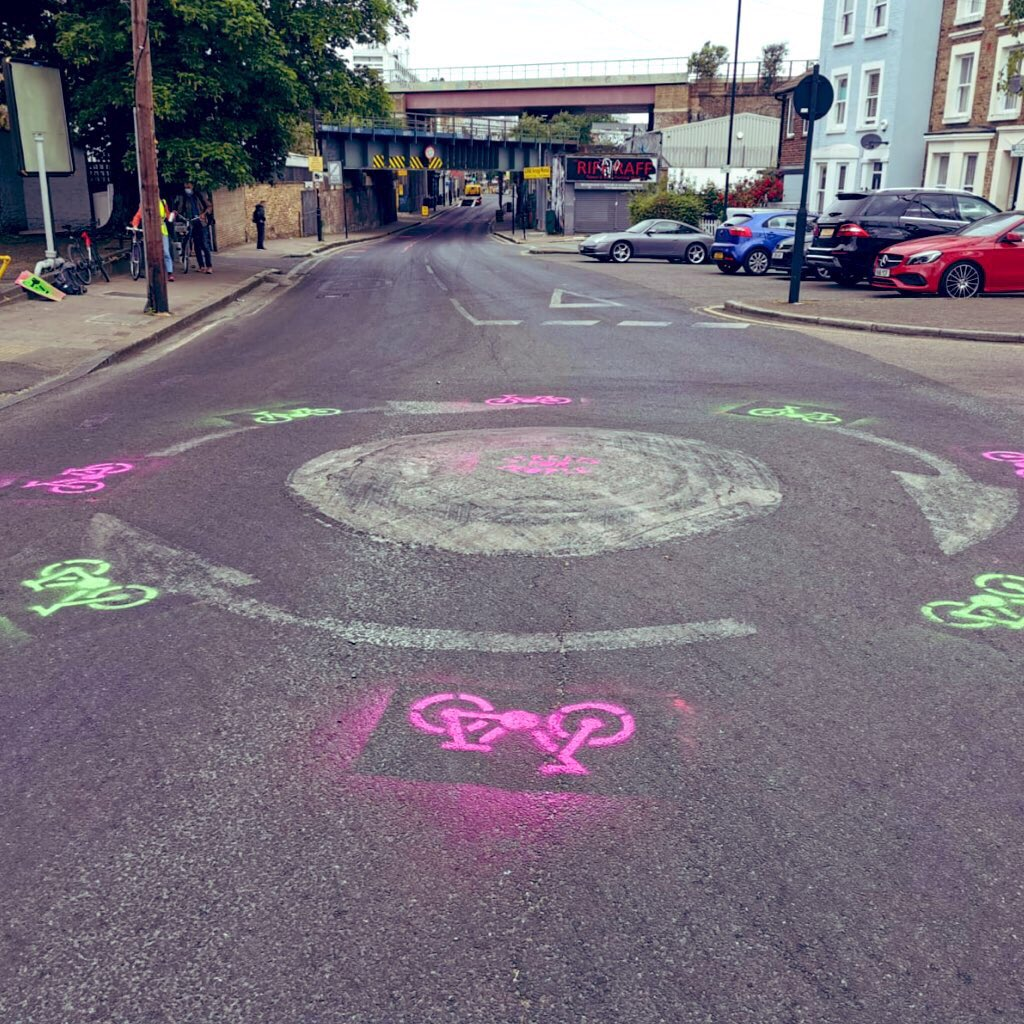 Today we are reclaiming the streets 💚🌱✨ . What kind of world do you want? Bikes not cars 🚴🏽♀️🚴🏻♂️ People not traffic 🏃🏿♀️🚶🏼♂️ Clean air & healthy lungs 💚🌱 . Today not tomorrow. @lambeth_council #NoGoingBack #ReclaimTheStreets #AnotherWorldIsPossible #ClimateEmergency