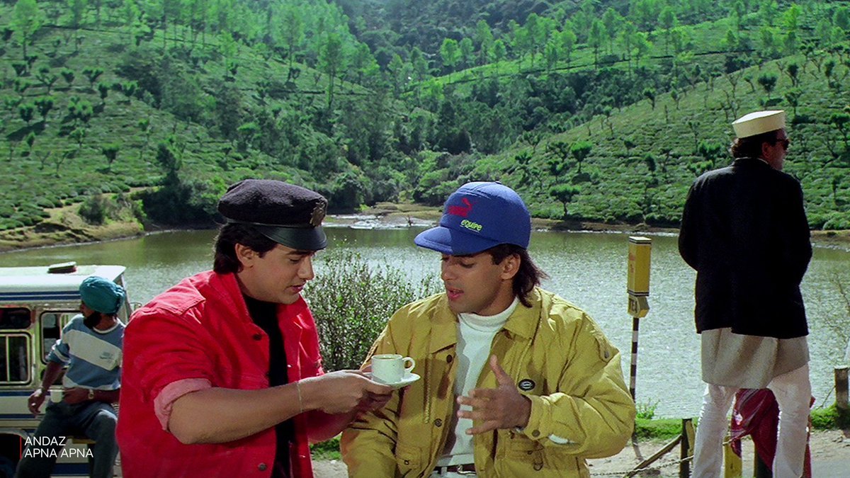 So many things we miss in one picture.  #WatchAndazApnaApna 🎉