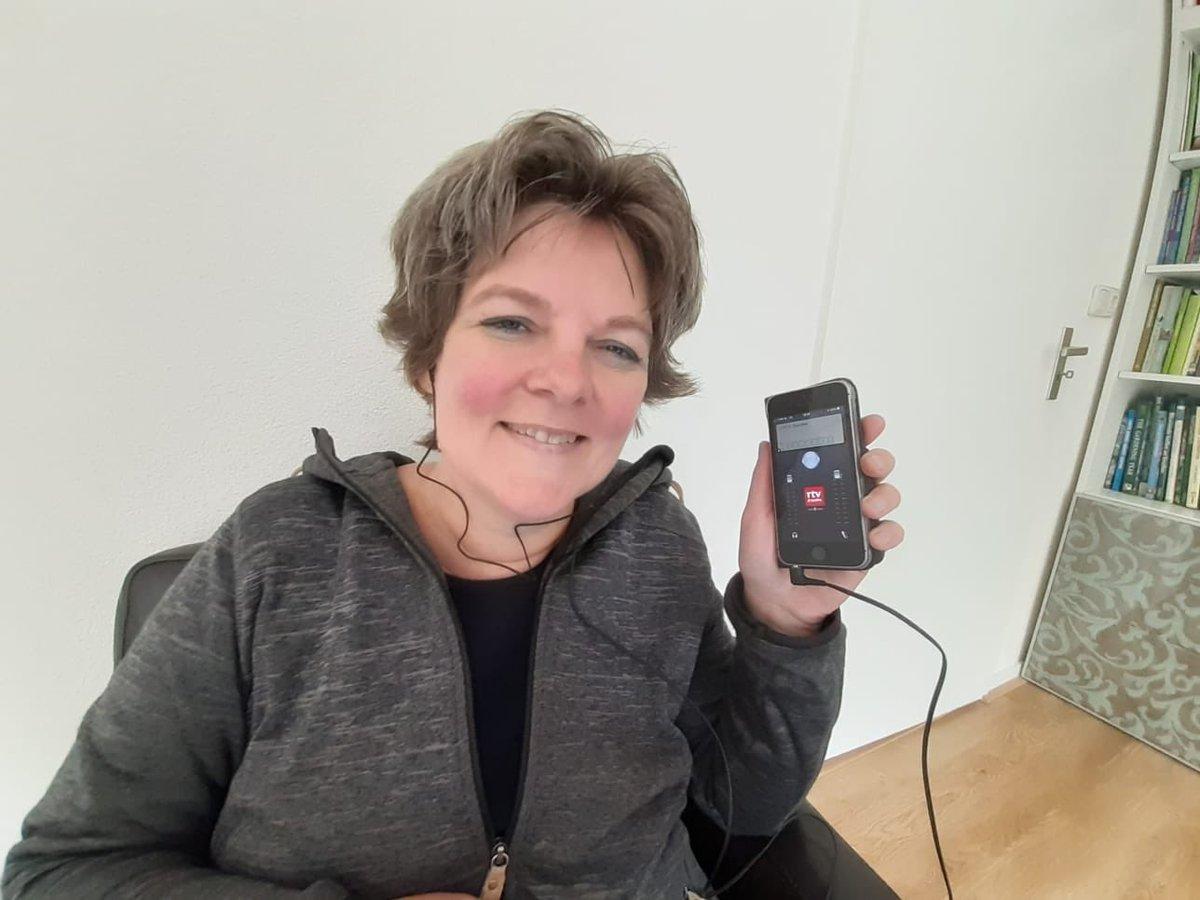 Ik zit er klaar voor! Met de Bartje app van #rtvdrenthe #cassata @MargrietBenak https://t.co/uZJ4LvGGmE