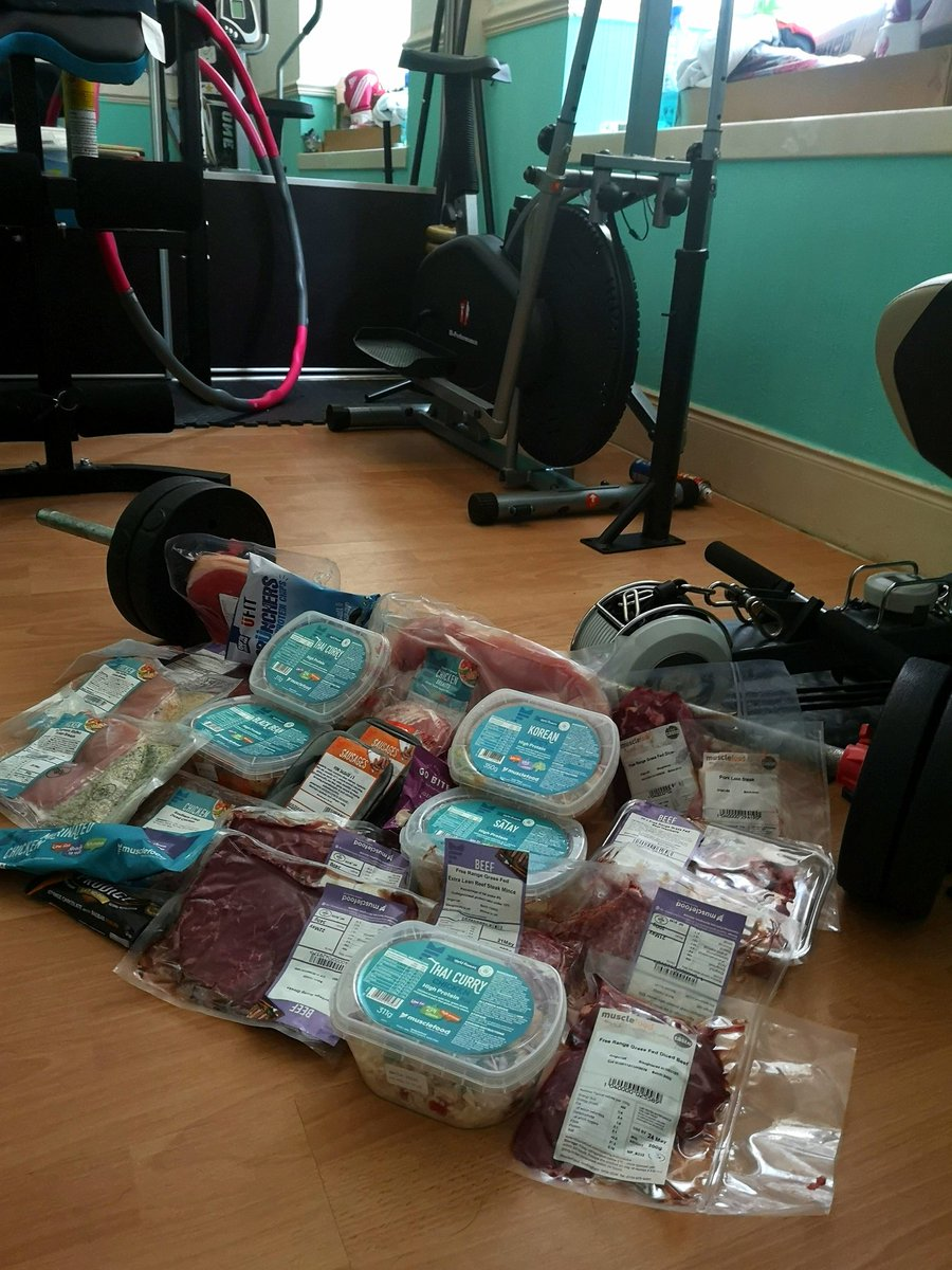 Love a Saturday delivery! Thanks @MuscleFoodUK #healthylivingforall