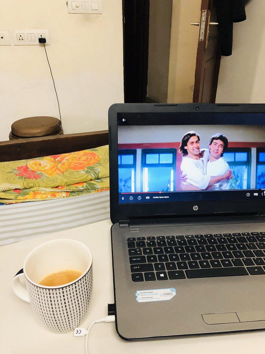 """lagta hai kachha khiladi hai"" #WatchAndazApnaApna #90sNostalgia twitter.com/NetflixIndia/s…"
