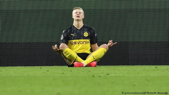 Gol do Haaland. Nada mudou. #Haaland #Bundesliga_return #Bundesliga #BundesligaIsBack #AlemaoFOXSports https://t.co/nQbFA07AQa