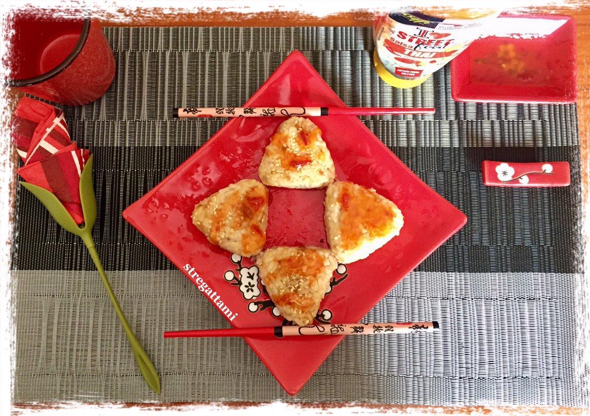 """Oggi nella mia cucina ho preparato gli """"Tuna and Sesame Omusubi"""" versione stregattami #NellaMiaCucina #16maggio #16May #iorestoacasaecucino #recipe #ricette #madeinhome #cheflife #Saturday #SaturdayMood #FelizSabado #accadeoggi #QuarantineAFood #andratuttosuifianchi #omusubipic.twitter.com/X4Penfrwbr"""