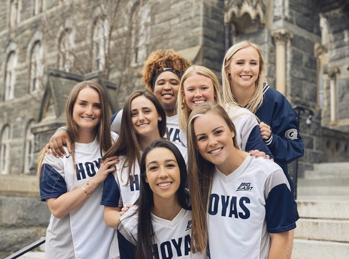 Congratulations to these new Georgetown GRADUATES! We are all so proud of you and your accomplishments 🎓 Hoya Saxa! #Hoyas2020