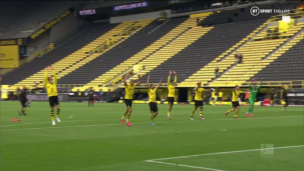 Os jogadores do Dortmund não esqueceram o agradecimento à Yellow Wall 😆