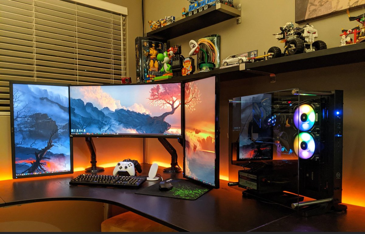 Do you have a triple monitor setup? What do you use the monitors for?  #gamer #gaming #gamers #gaming #instagaming #instagamer #instagamers #gamersparadise #gamingparadise #gamersdesk #gamersdesktop #gamingdesks #gamingdesk #gamingsetup #gamingsetups #gamersetup #gamersetups pic.twitter.com/2NtLJWWOaa