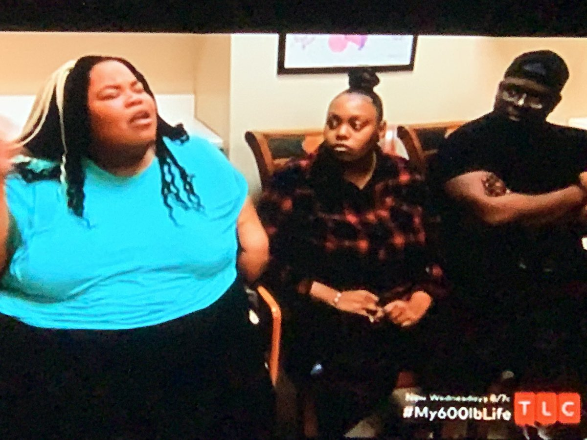 """I have to applaud #DrNow he has the patience of Job. Ain't no way this """"lady"""" would have talked to me like she just spoke to him. She wants to extend her 15 mins of fame. Her friends were too embarrassed. #My600lbLife #MTVcatfish"""