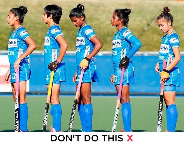 Follow #SocialDistancing correctly.   #IndiaKaGame #HockeyIndia<br>http://pic.twitter.com/z6oGMz2kg3