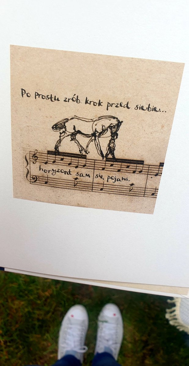 Przepiękna książka. Chłopiec, kret, lis i koń. I przyjaźń, dla której nie ma żadnych barier. @Albatros_news @charliemackesy