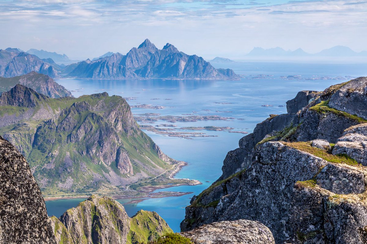 Heavenly views from Justadtind, Lofoten Islands on a never to be forgotten day - 29th July 2017 @Inntravel  https://t.co/lNVFMN3uCk https://t.co/reIKbo9PU9