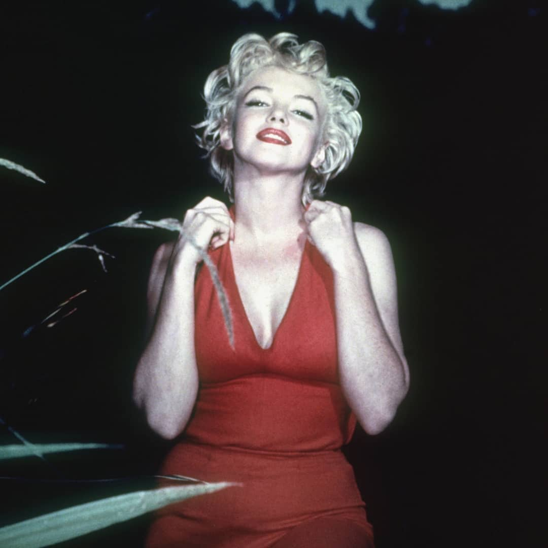 https://soo.nr/7i9i   Marilyn Wearing a Red Jumpsuit in 1954 : : : #marilynmonroe #marilyn #monroe #oldhollywoodstars #oldhollywood #oldhollywoodactress #vintagepic.twitter.com/3khY6IjPEe