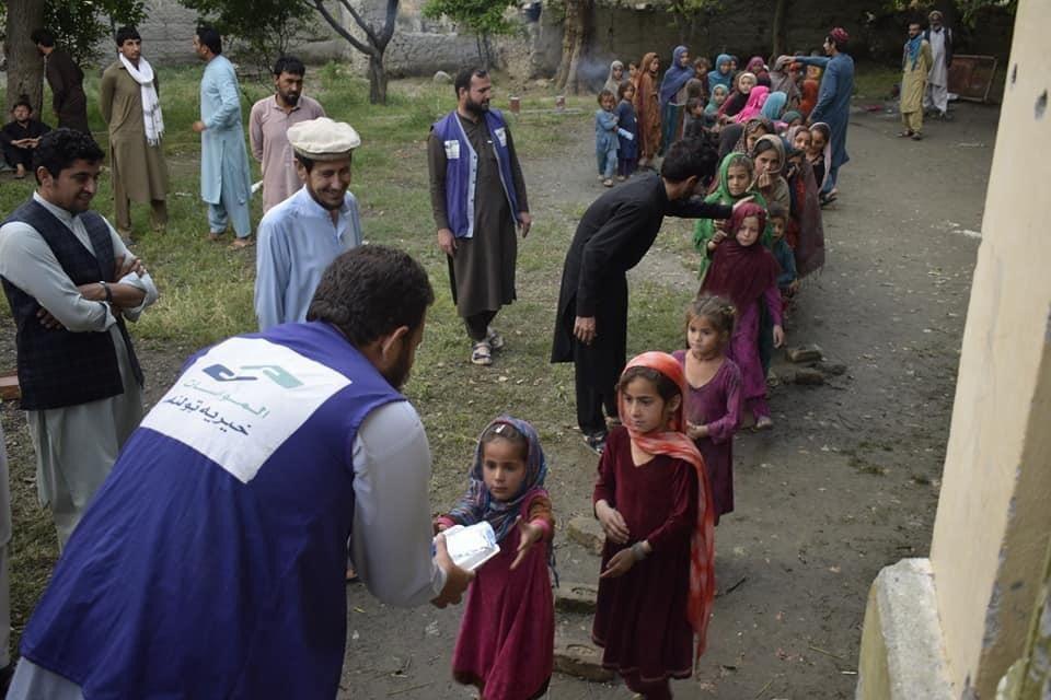 #Iftar distribution. #COVID__19 #Afghanistan #Afghan #corona #Nangarhar #jalalabad #peace #love #charity #Ramadanpic.twitter.com/0I29cutUwu