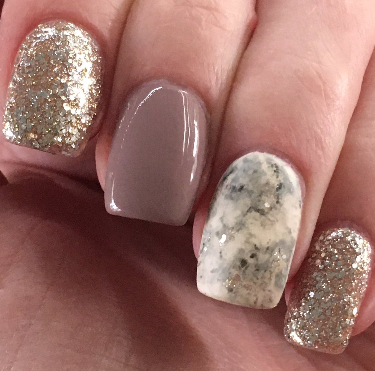 I was so inspired by @JeffreeStar and his #crematedcollection video yesterday that I just had to do a mani!! Do you think these would be #JeffreeStarApproved? #jeffreestar #JeffreeStarCosmetics #CREMATED #crematedpalette #marbleislife #shortnails  #nails #obsessed #deceasedpic.twitter.com/GlZUaBzeoX