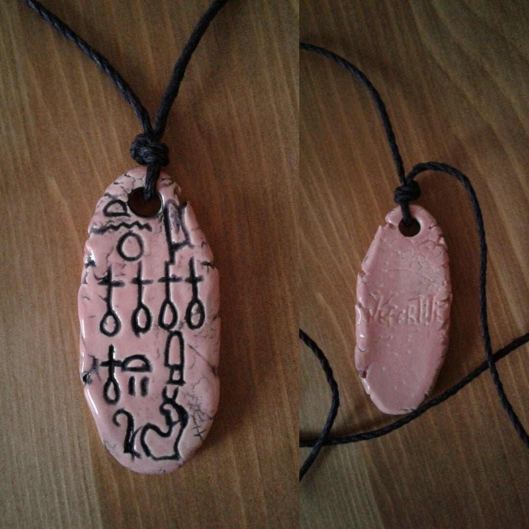Queen Nefertiti Necklace Egyptian Cartouche Pink Ceramic Pendant Hieroglyph Amulet http://tuppu.net/68f881b # #EgyptianJewelry pic.twitter.com/inWNl0tyYb