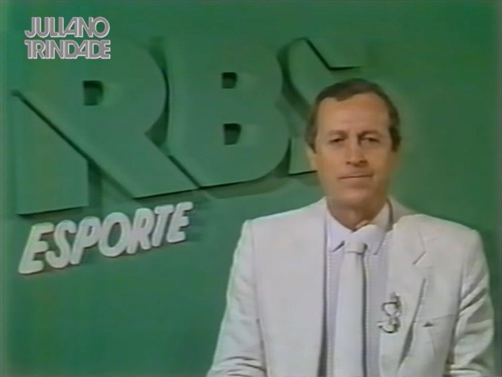 """Edu Cesar (Papo de Bola) - Proteja-se! on Twitter: """"RBS TV passa Grêmio 2 x 1 Peñarol na Libertadores 1983. Equipe da transmissão regionalizada da então TV Gaúcha: Celestino Valenzuela, aí visto;"""