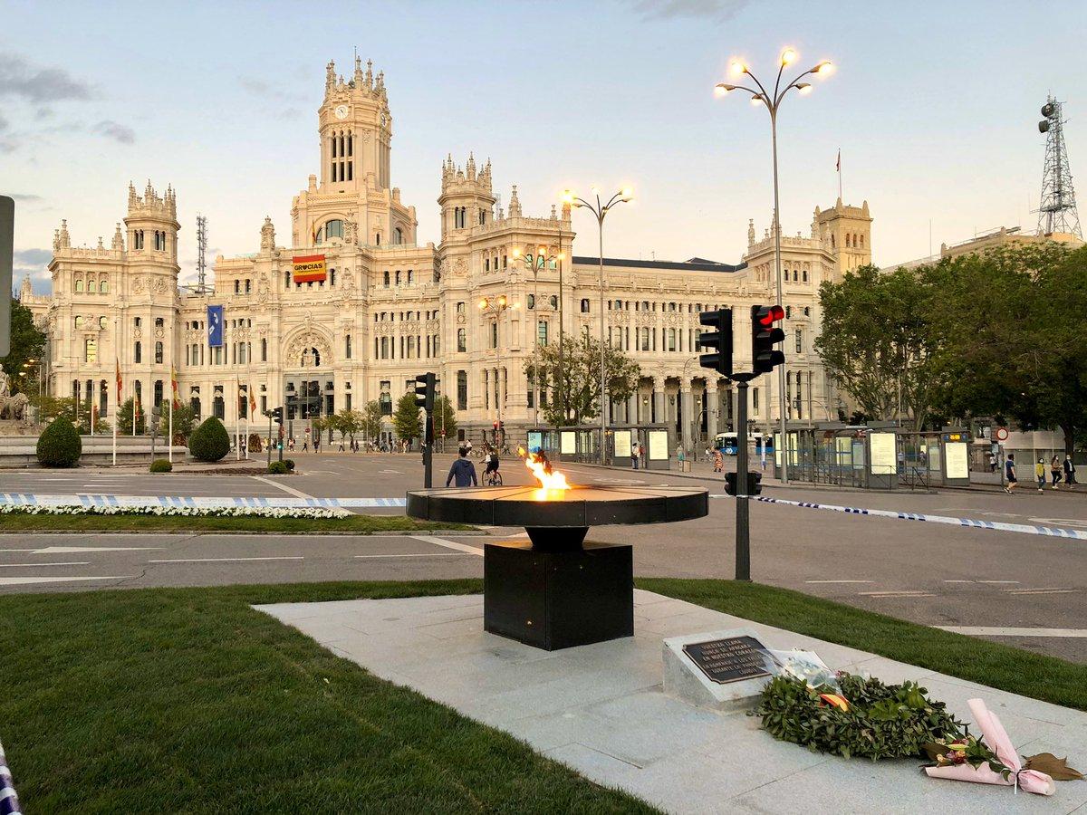 En Madrid hay un nuevo lugar que visitar. Un lugar donde recordar durante generaciones a todas las personas fallecidas por la pandemia del #COVID19 ❤️ https://t.co/bai7tURF4c