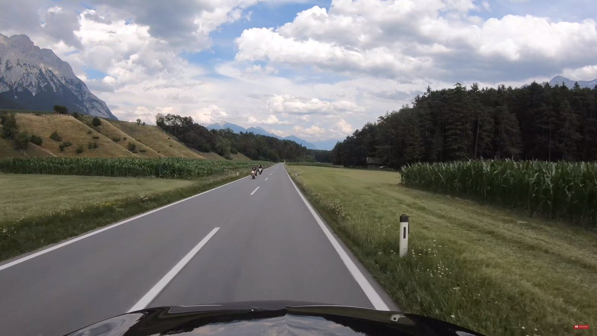 The mountains defy imagination. They seem to me even more lovely than our Rockies. #Oesterreich pic.twitter.com/vyr3gzgYHa