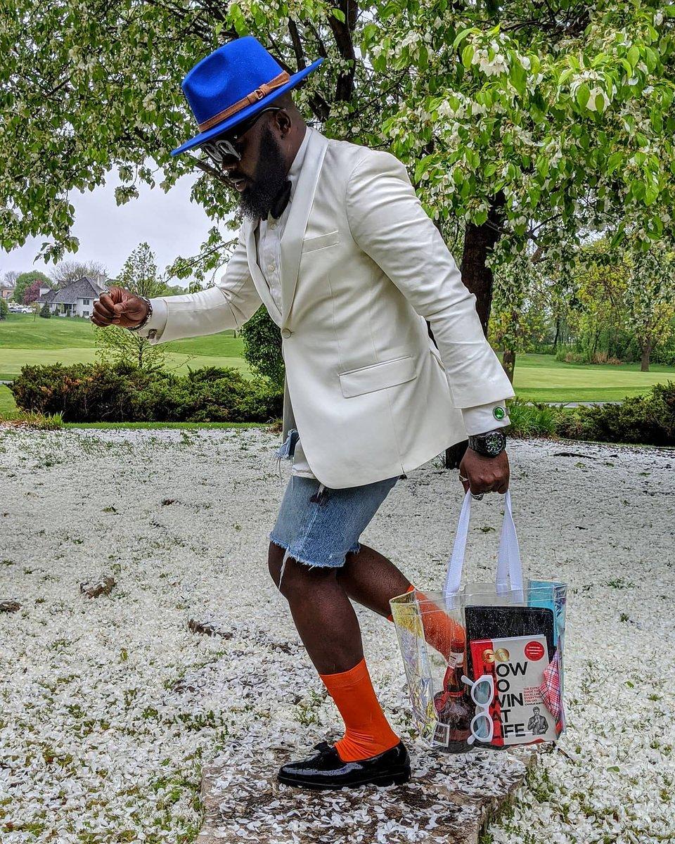 #moderngentleman  #styleforum #menslook #dapperday  #blackmenswear #suitgame #dapper #menstagram #dappermen #guywithstyle  #blackmenwithstyle #gentsfashion #fashiorismo  #highfashionmen #mensapparel #menfashioner #bestofmenstyle #dapperlydone  #lookmenstyle #ootdmenstylepic.twitter.com/RdVmKvKXtH