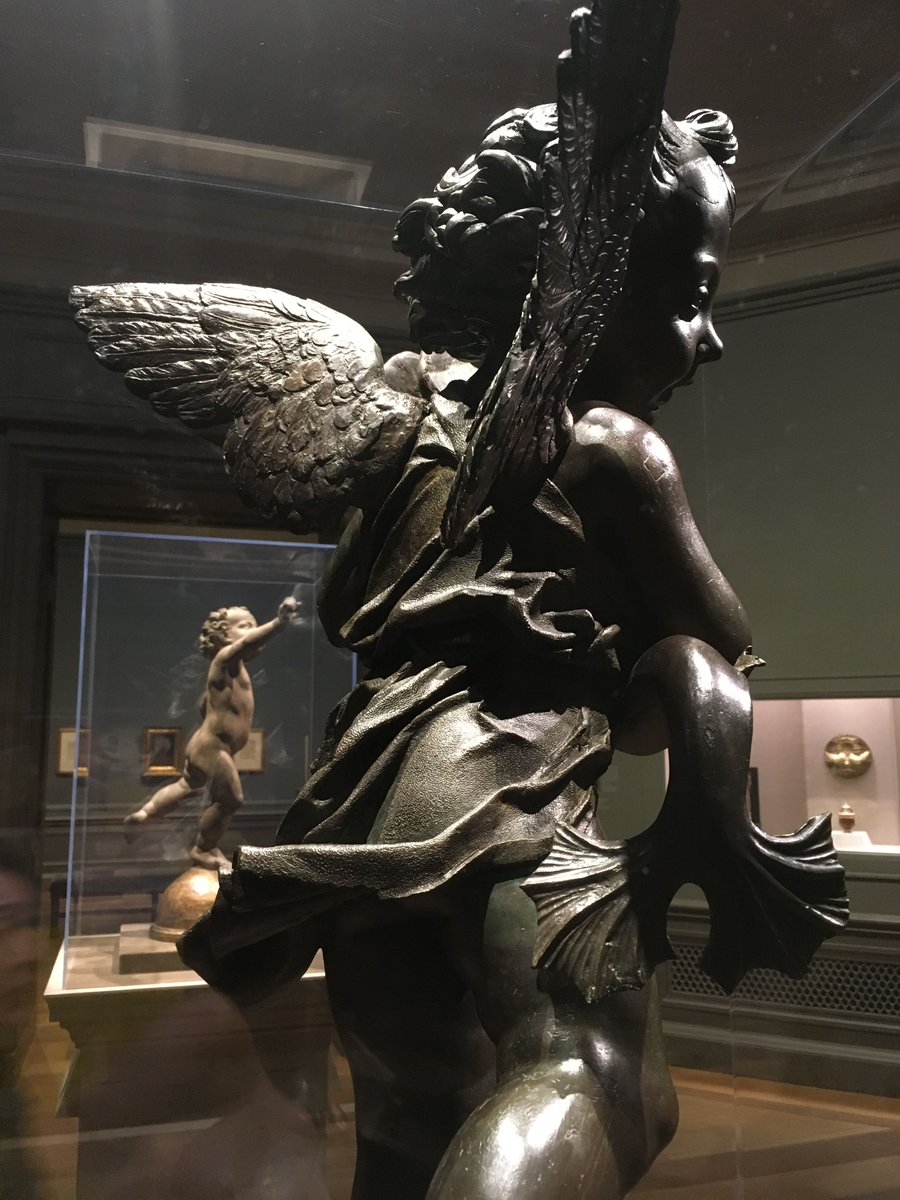 #SomethingBeautiful to brighten your feed: Verrocchio putto with a fish, details of drapery and motion #historypix (DC exhibit)
