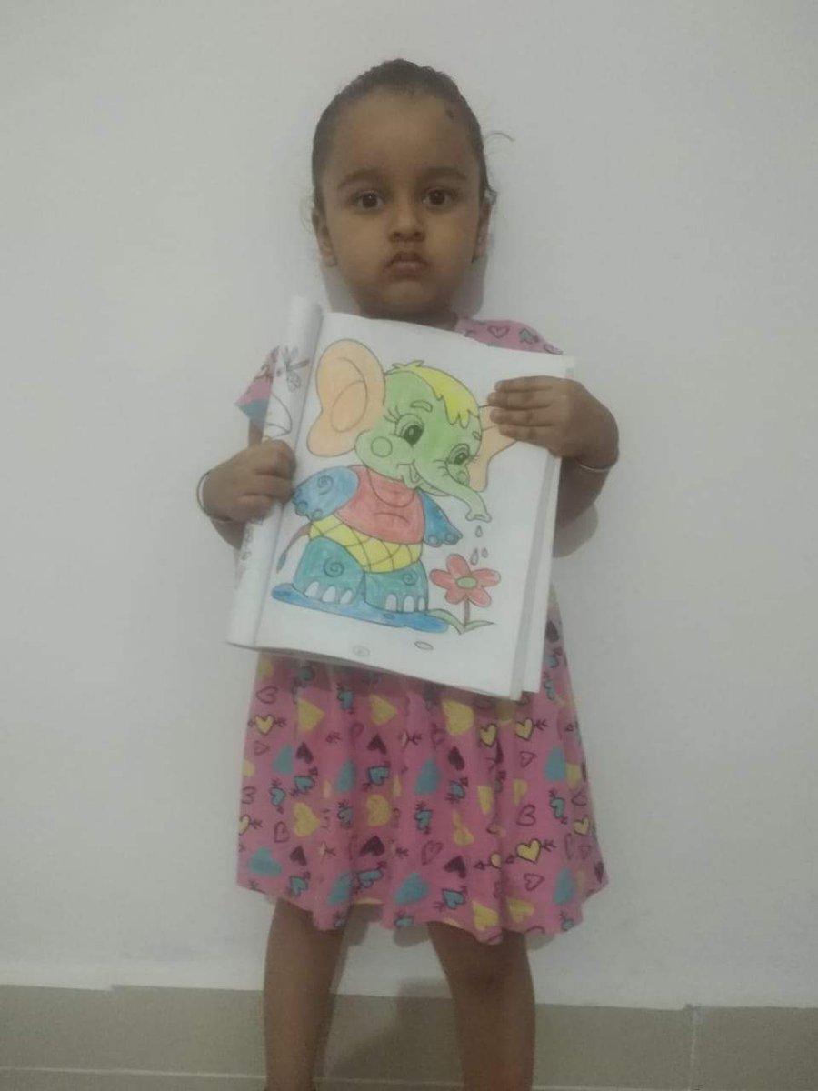Three and a half year old Diksha Kedia from Dantewada #ChakmakCG<br>http://pic.twitter.com/Thx6T5NzIy