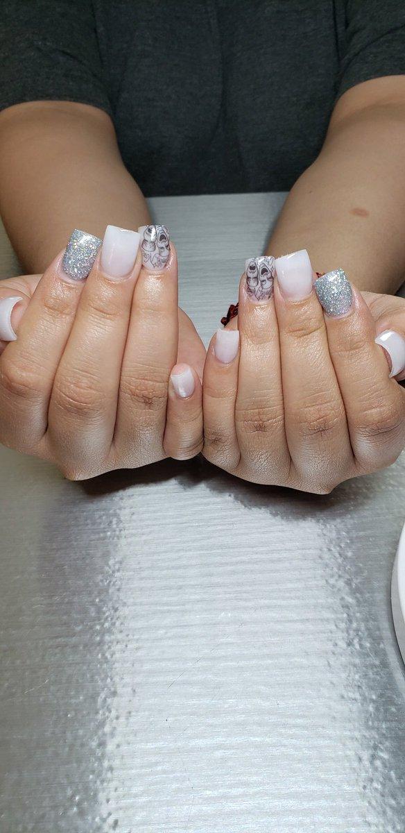 Smile Now Cry Later Full Set  #smilenowcrylater #nails #shortnails #milkywhite #bookappt #glitterpic.twitter.com/JaOvFzUTdO