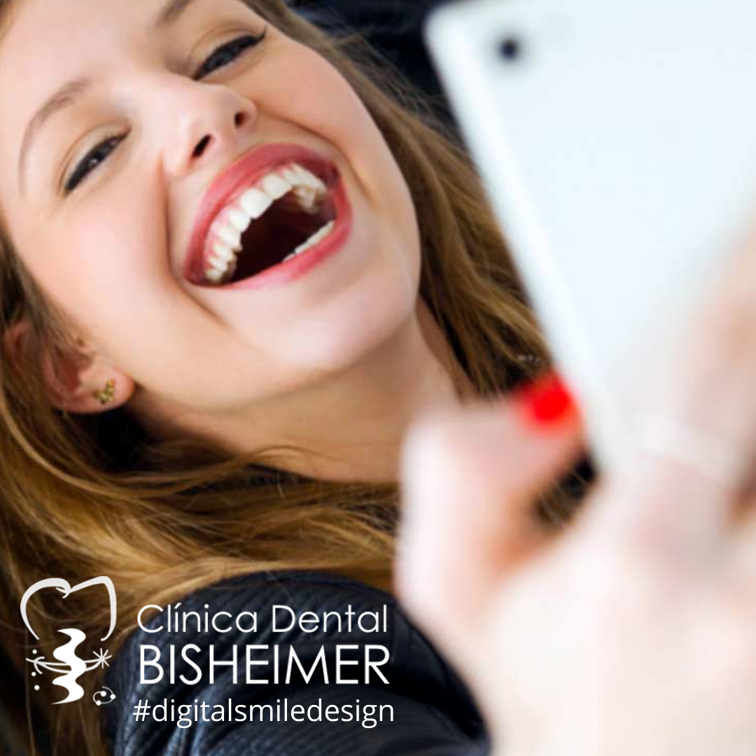 La estética dental está adquiriendo un papel muy importante en el campo de la Odontología.  El paciente desea que la sonrisa parezca lo más natural posible, para que el resto no puedan percibir el tratamiento realizado.  #clínicabisheimer. #digitalsmiledesign #esteticadentalpic.twitter.com/PPC21LVOnq