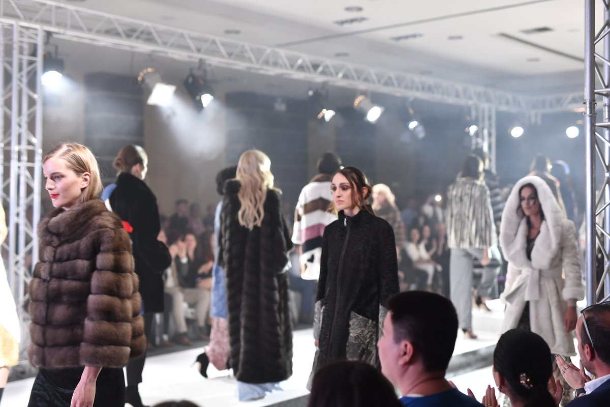 Throwback-Gala show, allowing fur-makers to showcase their products in the best way possible!  #WhenLegacyMeetsTheFuture #KastoriaInternationalFurFair #kiff #kastoria #kastoriafurcity #fur #womenswear #trends #throwback #fashiongoals #tbt #fashion #style #styleiswhat #streetstyle https://t.co/yyEaeLMyLN