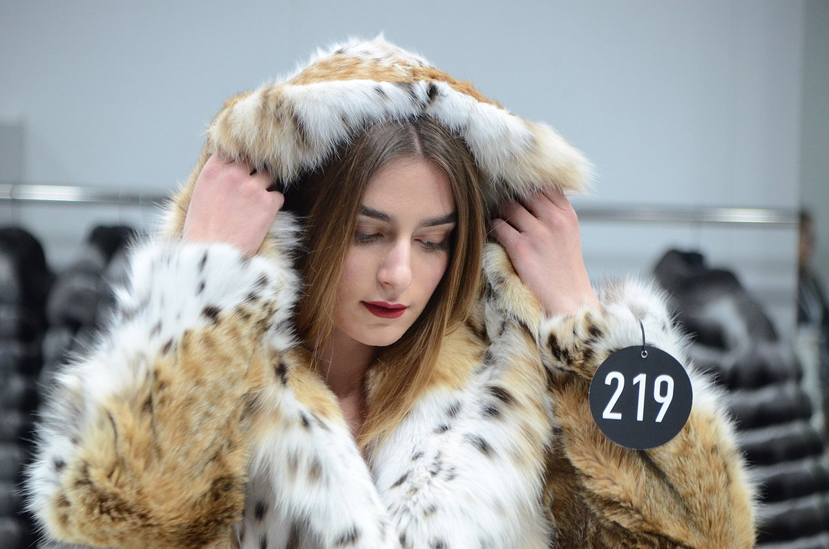 KASTORIA International Fur Fair = 45 years of experience  #WhenLegacyMeetsTheFuture #KastoriaInternationalFurFair #kiff #kastoria #kastoriafurcity #todayimwearing #fur #womenswear #trends #throwback #whatiwore #fashiongoals #tbt #fashion #style #styleiswhat #streetstyle https://t.co/Zq4crm2YPE