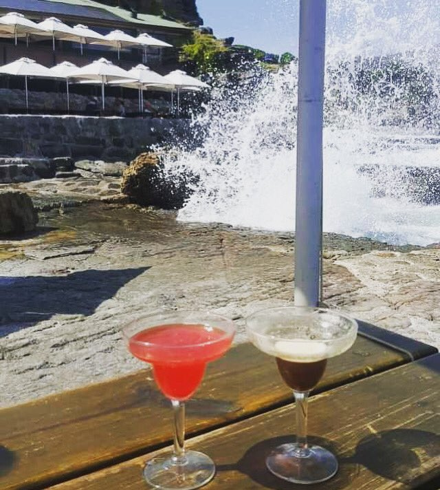 Take Us Back!     #holidaydrink #holidaycocktails #holidayviews #seaviews #southafricanstyle #southafricaholiday #southafricacocktails #partysupplies #weddingstyling #partydecorations #corporateevent #partyplanning #eventprofsuk #mobilebar #woodlandwedding #weddingsupplierspic.twitter.com/3EUQN51rKx